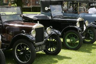 Jul-Creative-Manufacturing-Industry-Model-T-Ford.jpg